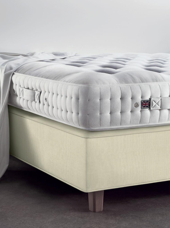 Vispring Coronet mattress and DeLuxe divan corner
