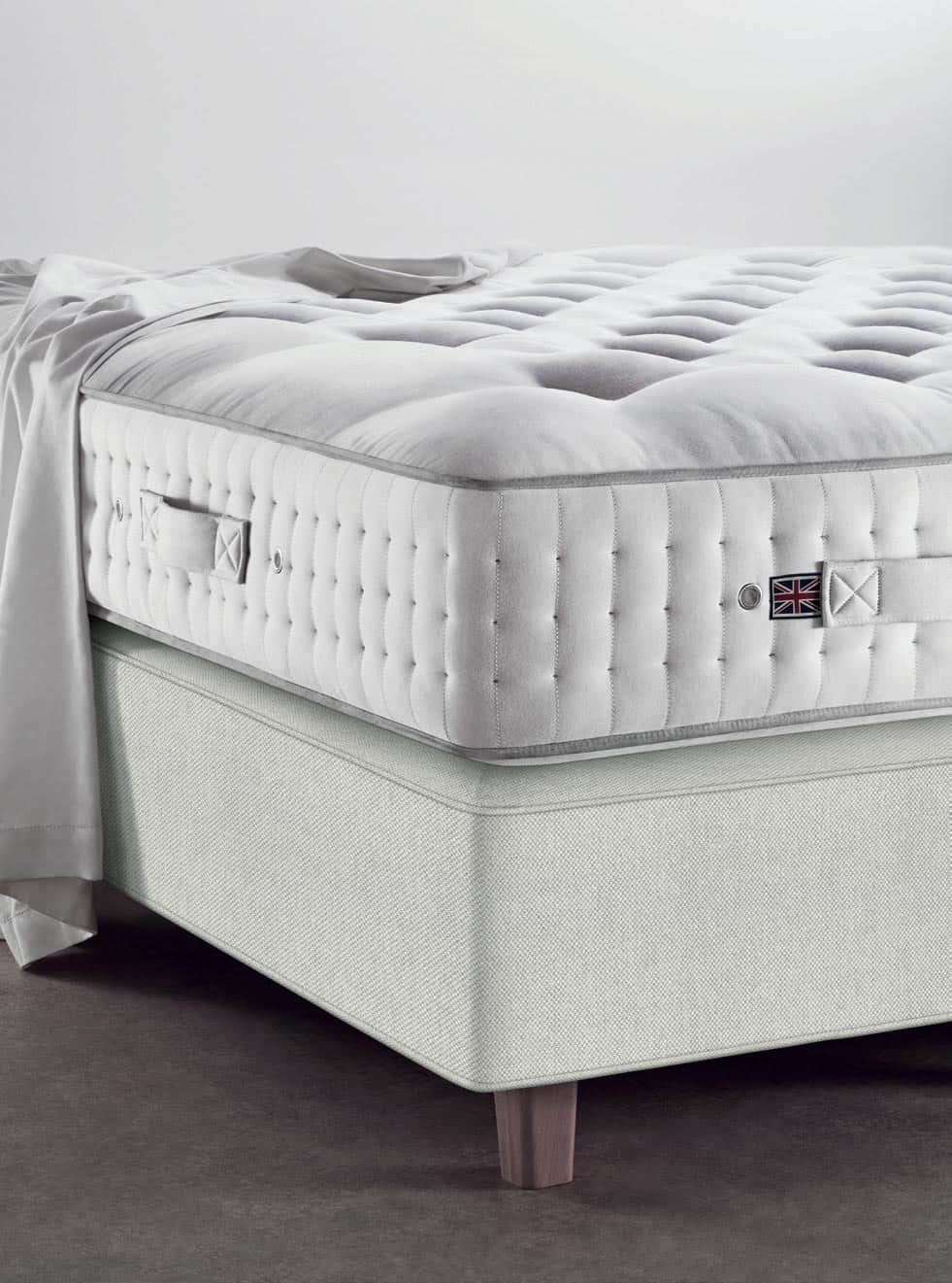 Vispring Regent mattress and Prestige Divan corner
